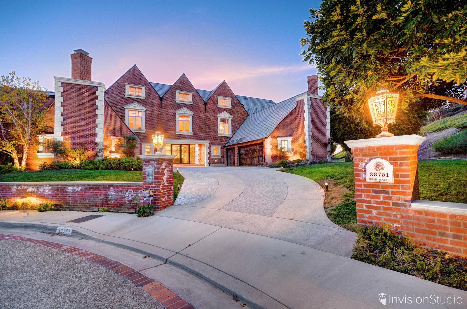 Tustin 3D Tour Service Provider | Tustin Aerial Photography Services | Tustin Luxury Real Estate Photography Services | Tustin Virtual Tour Photographer