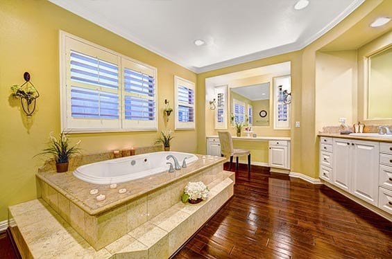 Yellow | Bathroom interior Decor | Real Estate Photography | Real Estate Photographer | Photography For Real Estate