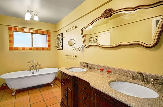 Traditional Old Fashion Wood | Bathroom interior Decor | Property Photography Service | Real Estate Photography Company | 360 Virtual Tours | Drone Photography | Virtual Tours for Real Estate
