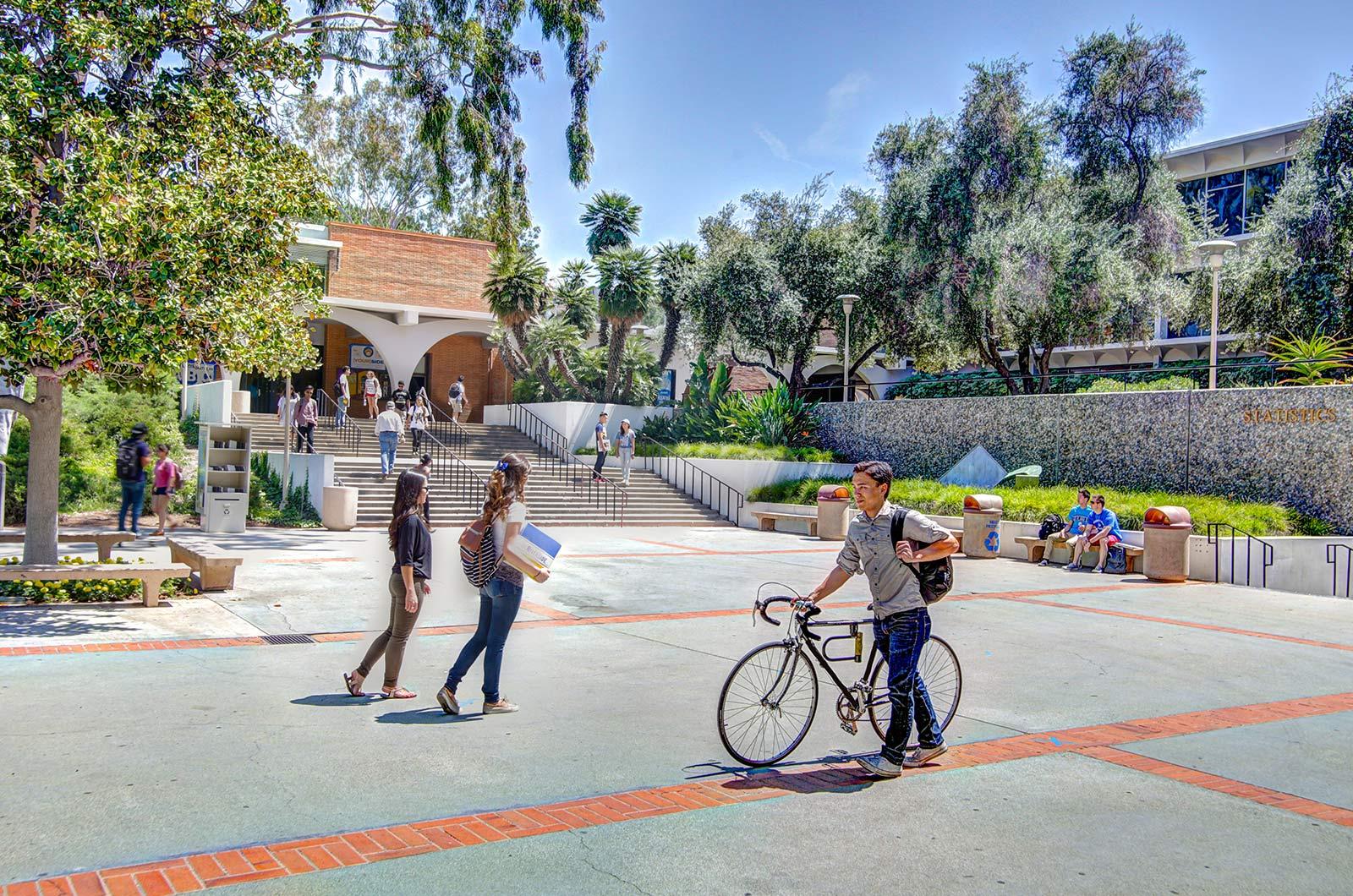 Courtyard-at-University-360-Tours-Virtual-Tour-Company-College-Vitual-Tours-Virtual-Tours-For-College