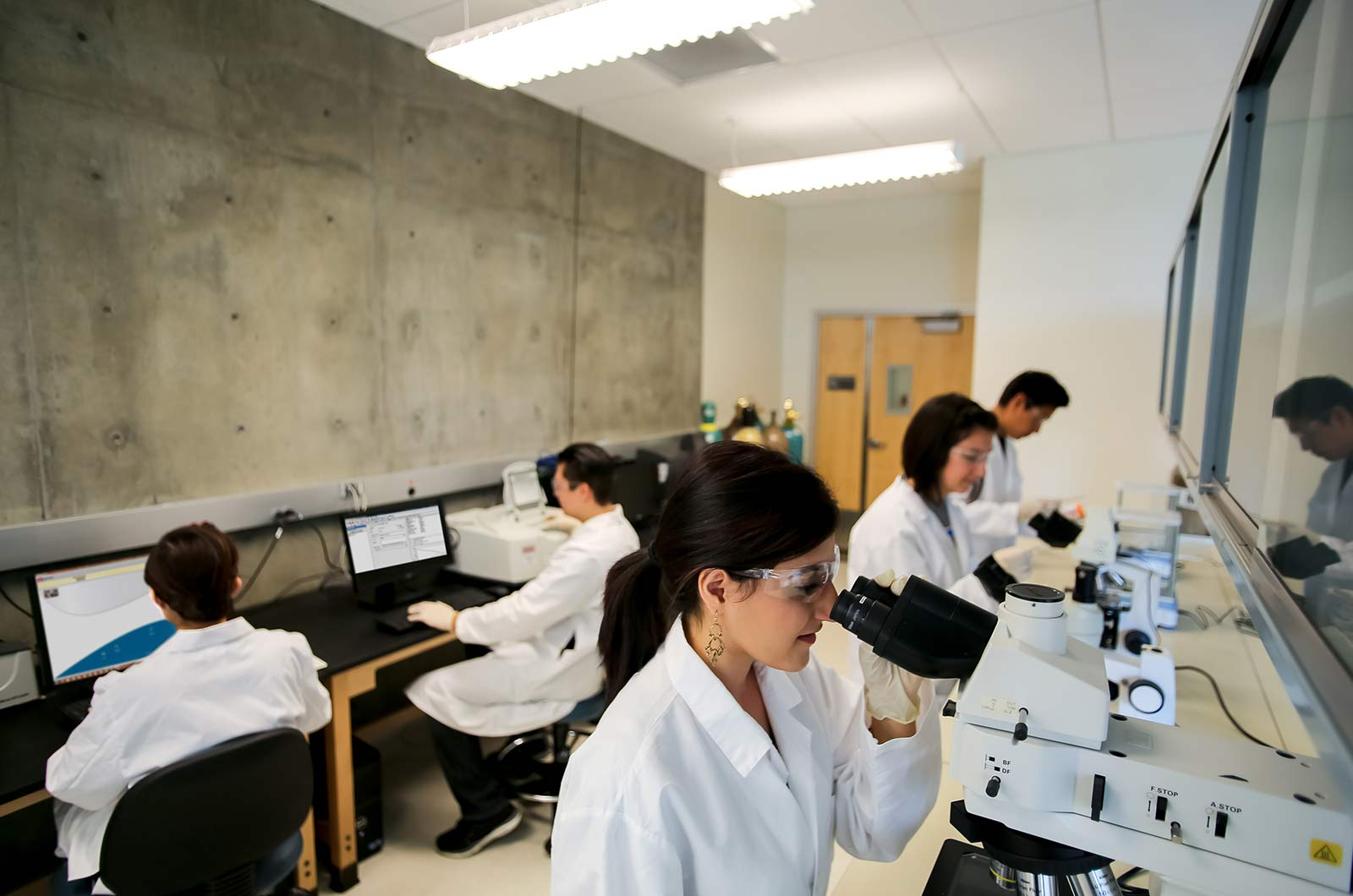 Examination-and-Science-Room-UCR-360-Tours-Virtual-Tour-Company-College-Vitual-Tours-Virtual-Tours-For-College-Microstope