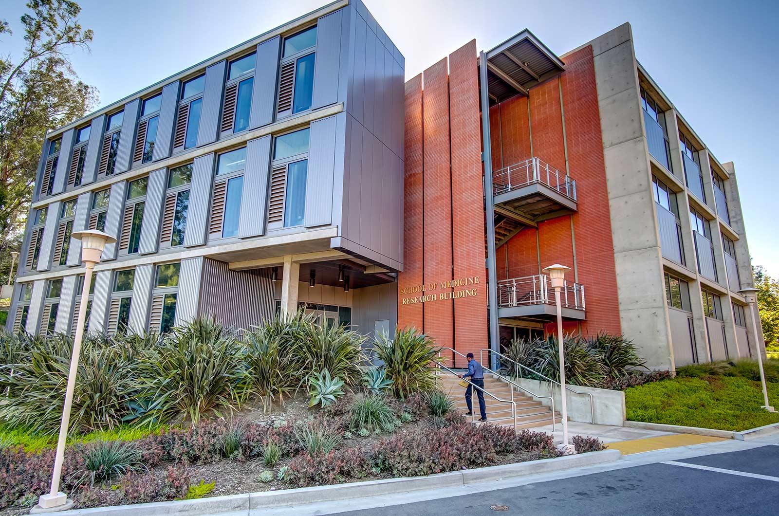 Modern-Library-At-University-360-Tours-Virtual-Tour-Company-College-Vitual-Tours-Virtual-Tours-For-College