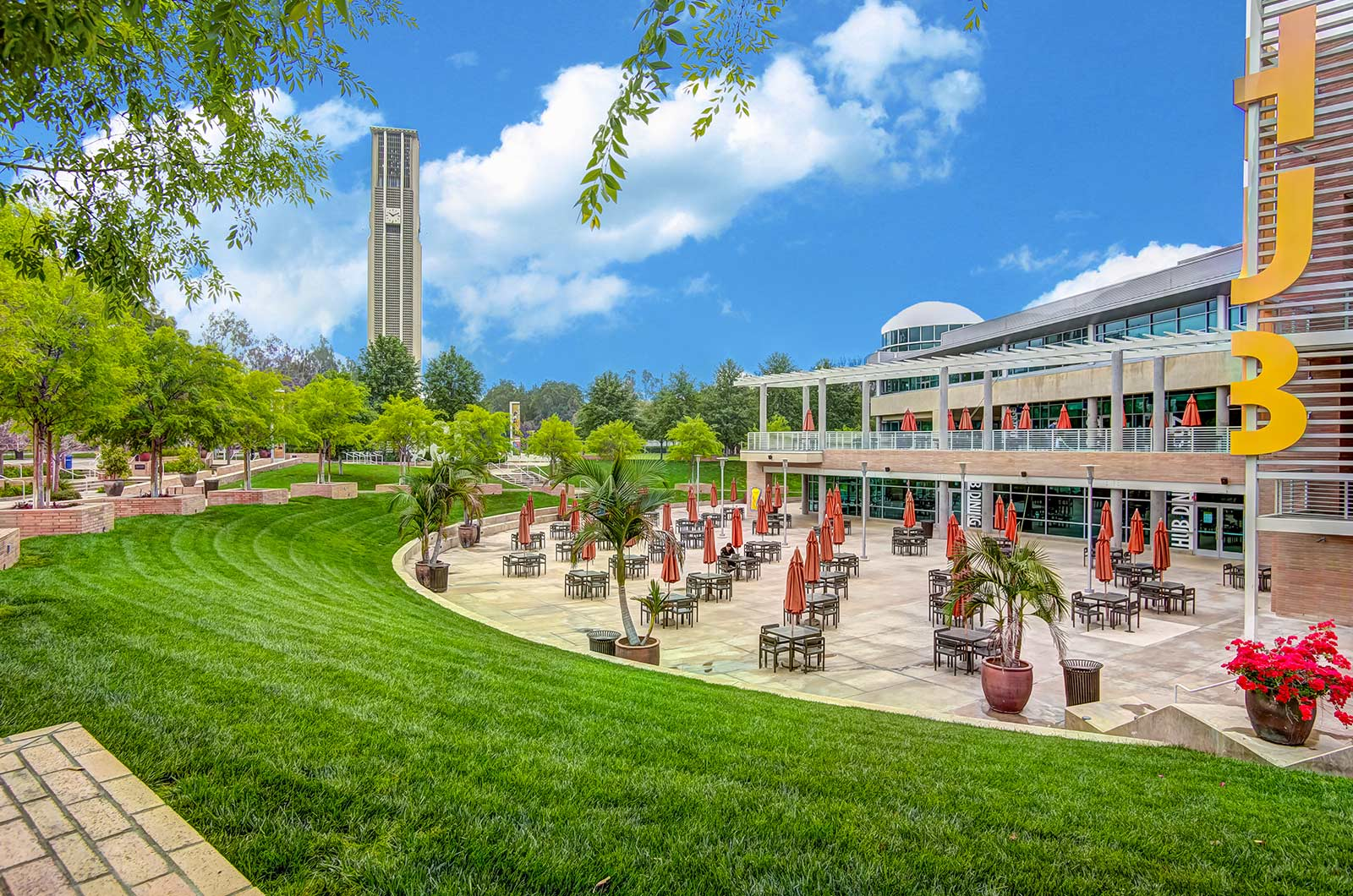 Outdoor-Courtyard-Lunch-Space-360-Tours-Virtual-Tour-Company-College-Vitual-Tours-Virtual-Tours-For-College