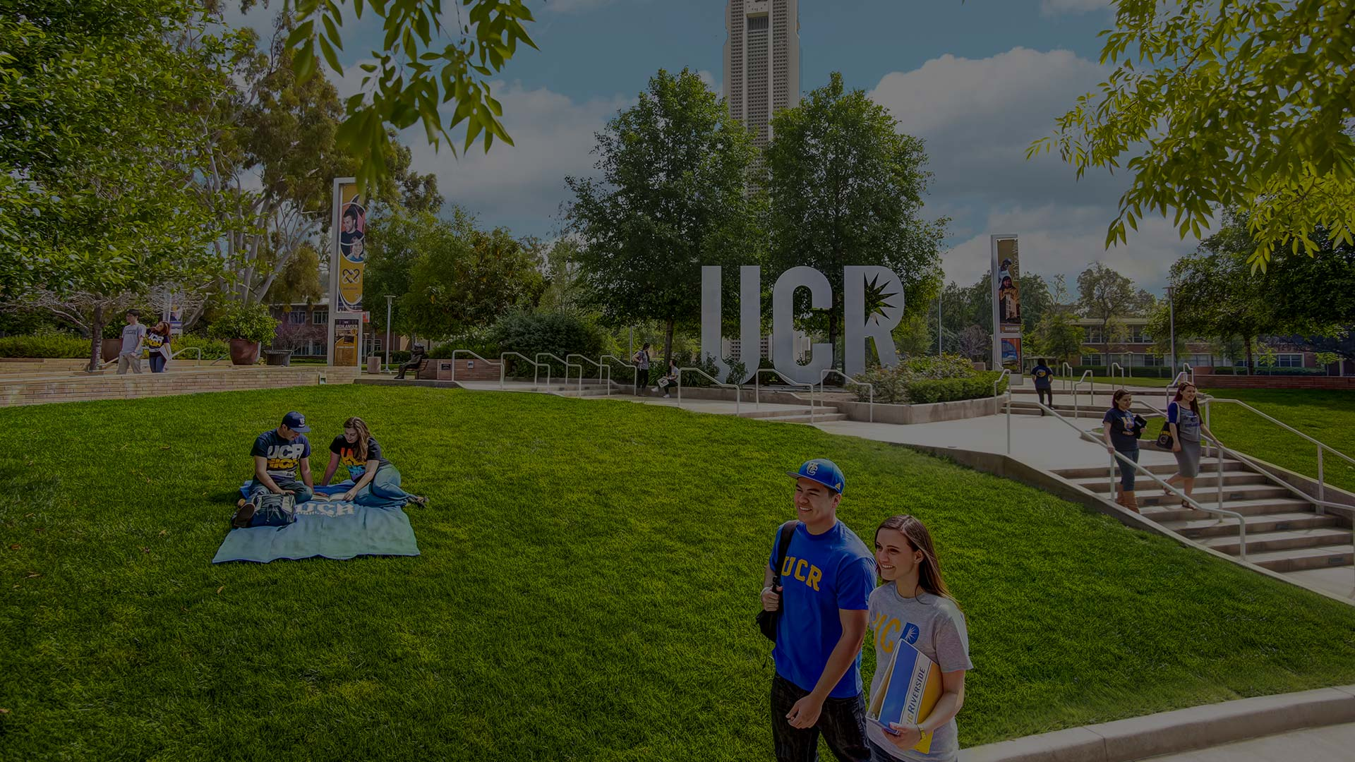 UCR-Sign-College-Virtual-Tour-Provider-Viritual-Tours-For-College-College-Virtual-Tour-Company-Hero