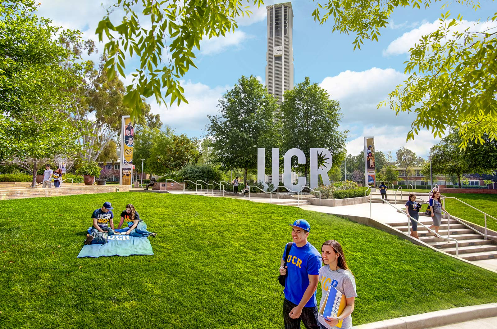 UCR-Sign-College-Virtual-Tour-Provider-Viritual-Tours-For-College-College-Virtual-Tour-Company