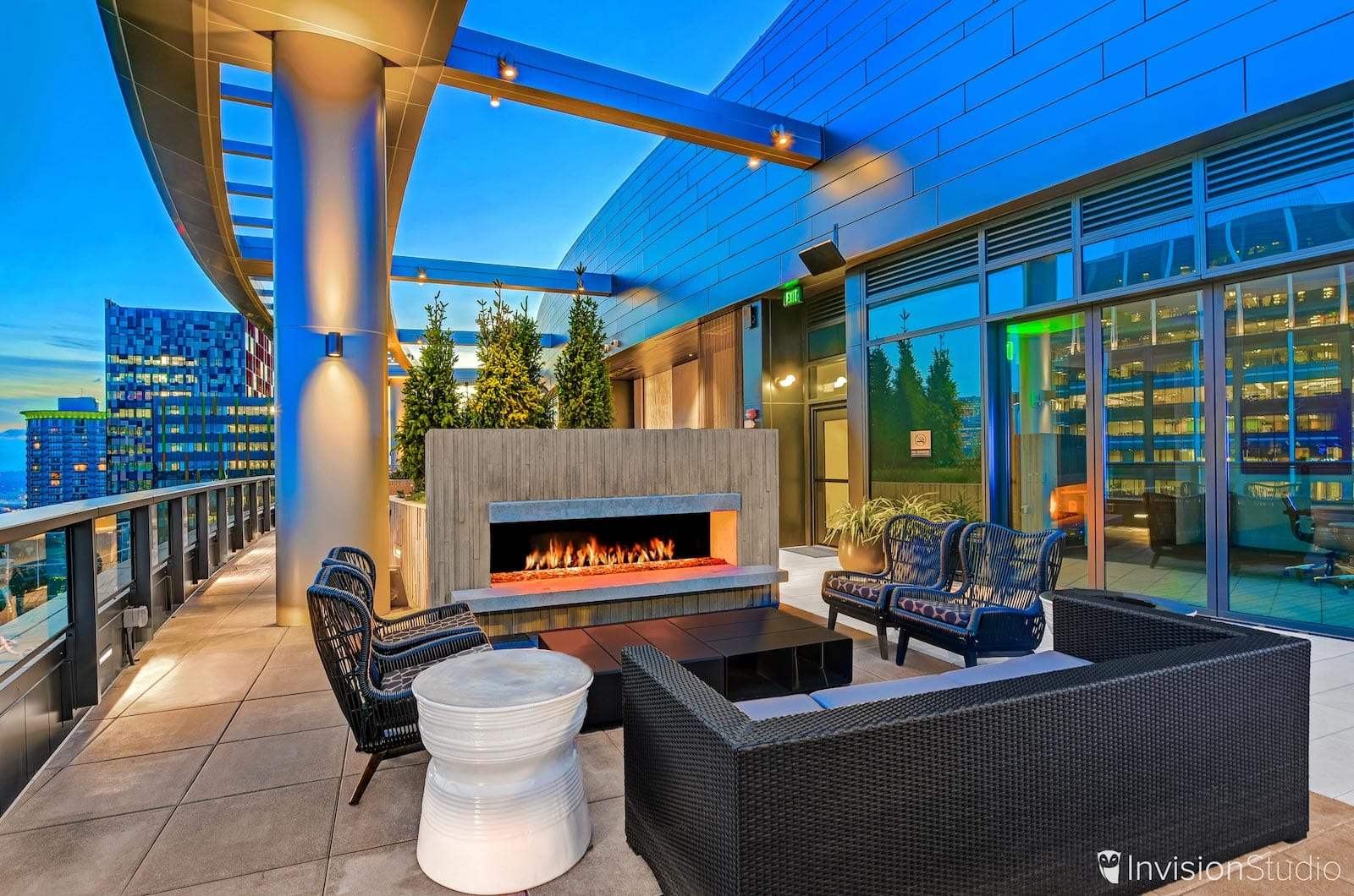 Modern Outside Patio in Los Angeles Los Angeles Virtual Tour Photographer | Los Angeles Commercial Real Estate Photography Services | Los Angeles Real Estate Photographer | Los Angeles Architectural Photography Services