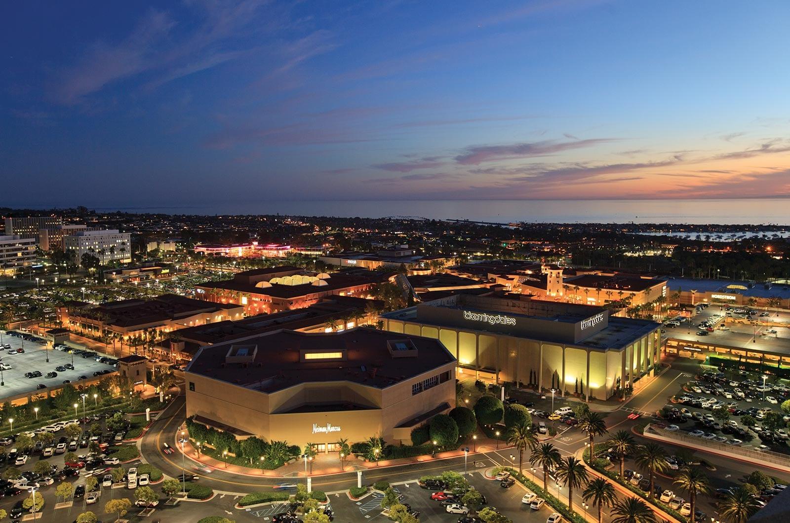 Costa Mesa 3D Tour Service Provider | Costa Mesa Virtual Tour Photographer | Costa Mesa Aerial Photography Services | Costa Mesa HDR Luxury Real Estate Photography Services