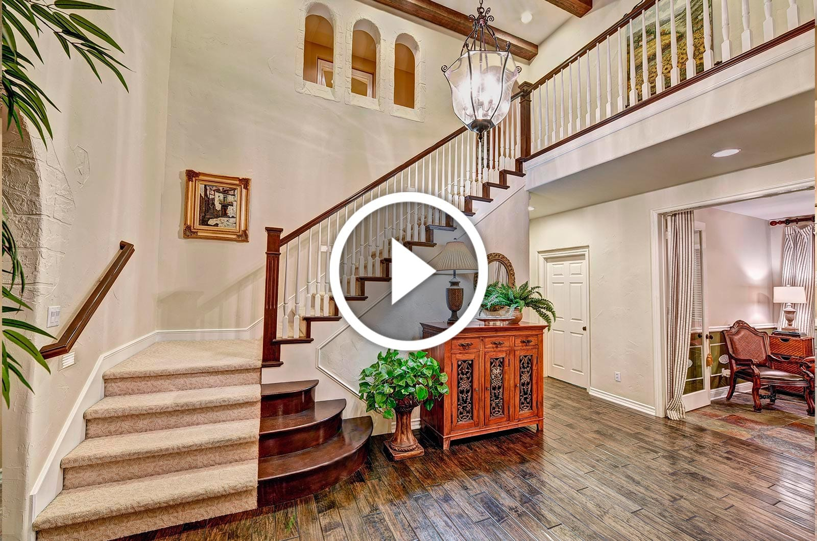 The-Boutique-Real-Estate-Group-Play-Button | Real Estate Photography Orange County | Virtual Tours OC | Virtual Tour Photographer Orange County | Virtual Tour Services Orange County