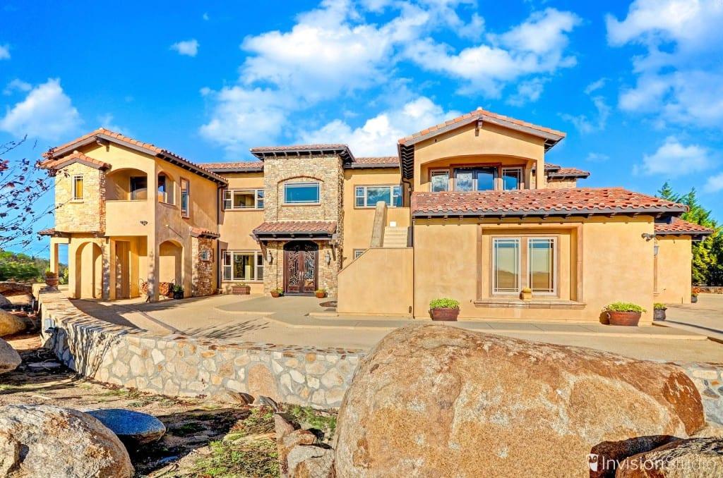 Exterior-Photo-Luxury-Real-Estate-Photographer