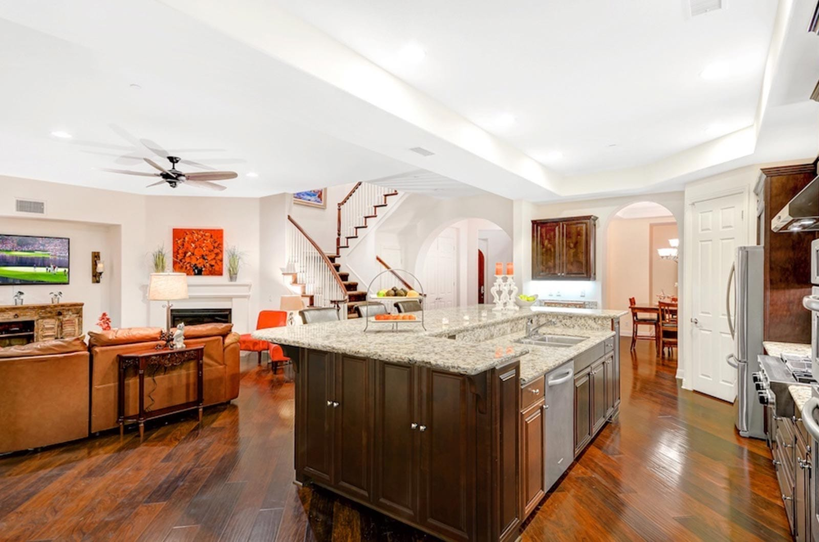 luxury-real-estate-photography-hero-image