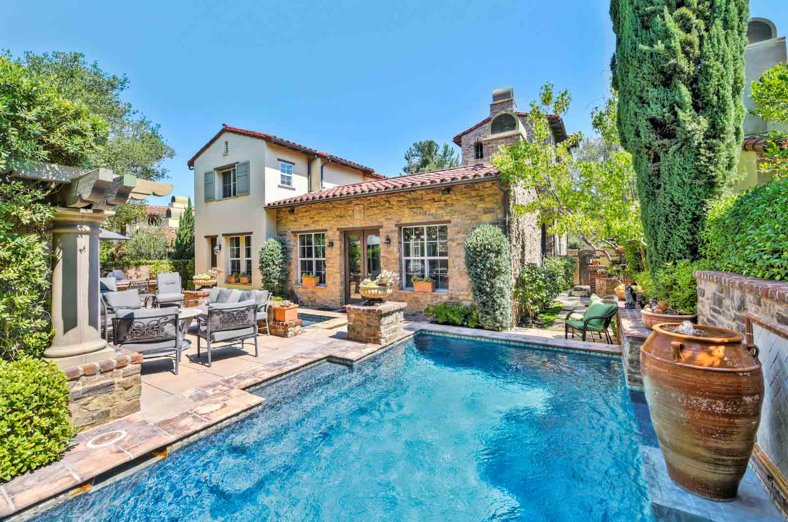 Hero-Luxury-Real-Estate-Photography-Service